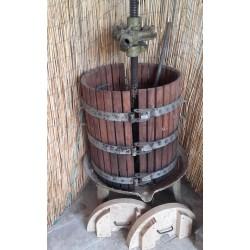 torchio pressa per uva da cm 50 usato